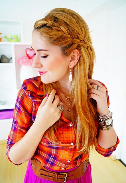 Braided half updo - The perfect hairstyle for summer! -- #hairstyle #fashion