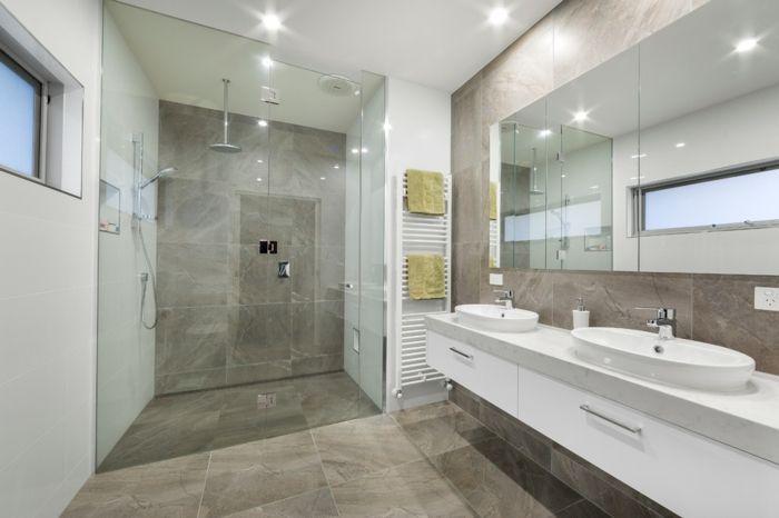 salle de bains blanche cabine de douche carrelage travertin ...