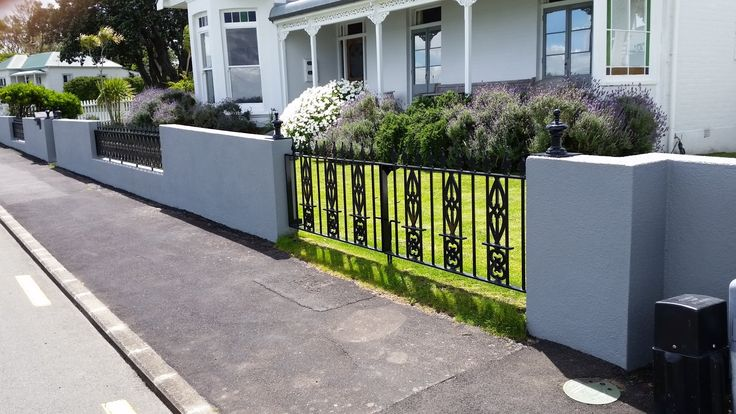 I used old railing from a local Auckland Bank to create this wall in Devonport