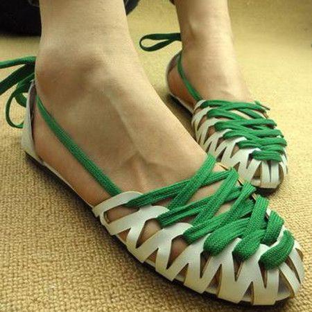 2011新款日韩时尚编织镂空交叉绑带女款凉鞋女鞋平底鞋 | Sumally: Gladiators Sandals, Fashion Shoes, Flats Heels, Green Lace, Gladiators Shoes, Flats Green, Festivals Fashion, Flats Shoes, Flats Sandals