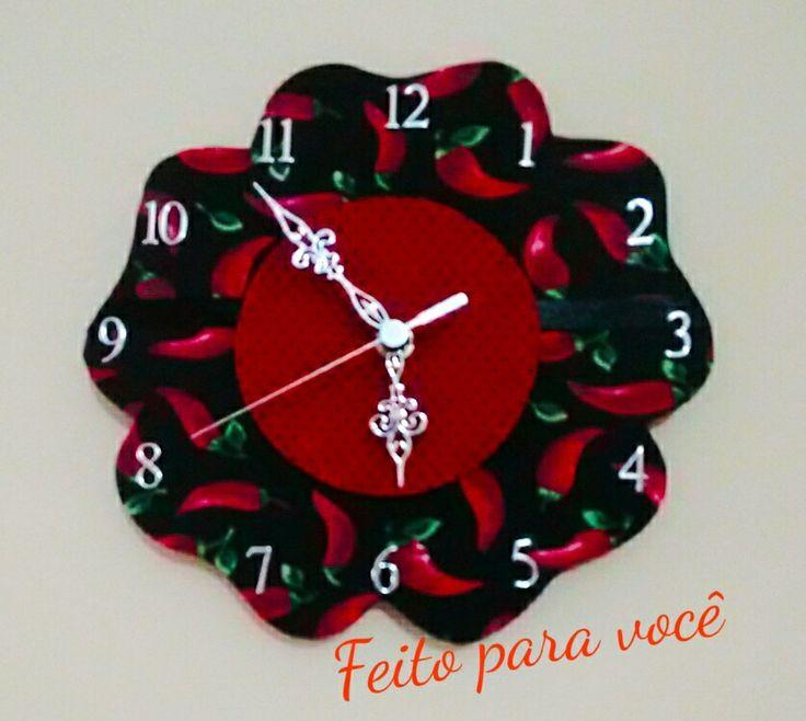 Relógio de parede em formato de flor