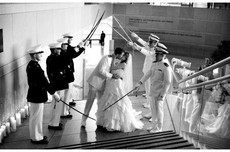 .....ou apenas uma breve ideia!!! _ring_) Percebi que algumas noivinhas aqui da comunidade pretendem se casar com um militar e muitas vezes acabam sem saber exatamente onde estão se metendo (principalmente quando não tem ninguém na família ou grupo
