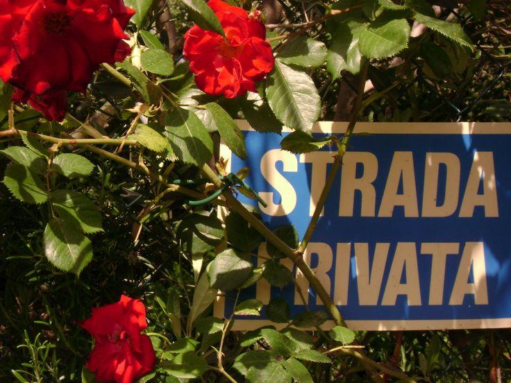 Private road strada privata Voie privée