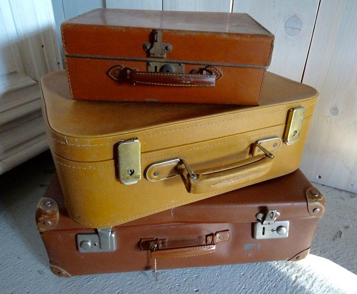 lot de 3 valises vintage curiosit s d 39 antan brocante. Black Bedroom Furniture Sets. Home Design Ideas