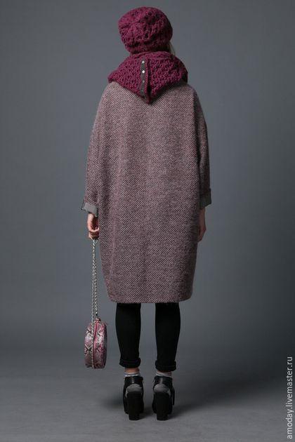 Пальто из ткани букле в модном оттенке. пальто AMODAY