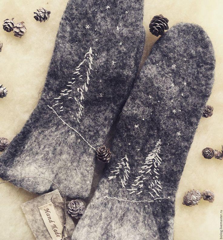 Купить Валяные варежки эксклюзивного состава Елочки, эко варежки с вышивкой - высокое качество
