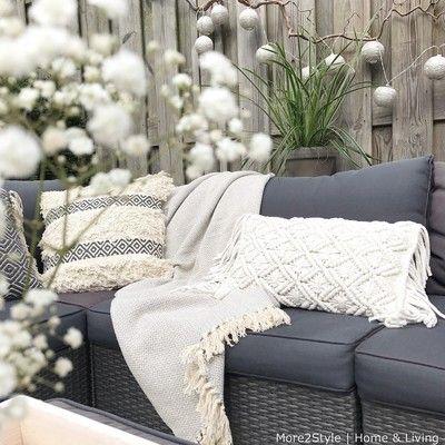 Binnenkijken bij mirielle - Heerlijk plekje in de tuin. Foto More2Style Home & Living www.more2style.nl