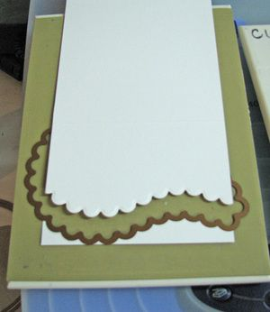 Using a Paisley Die to create a curved card border.