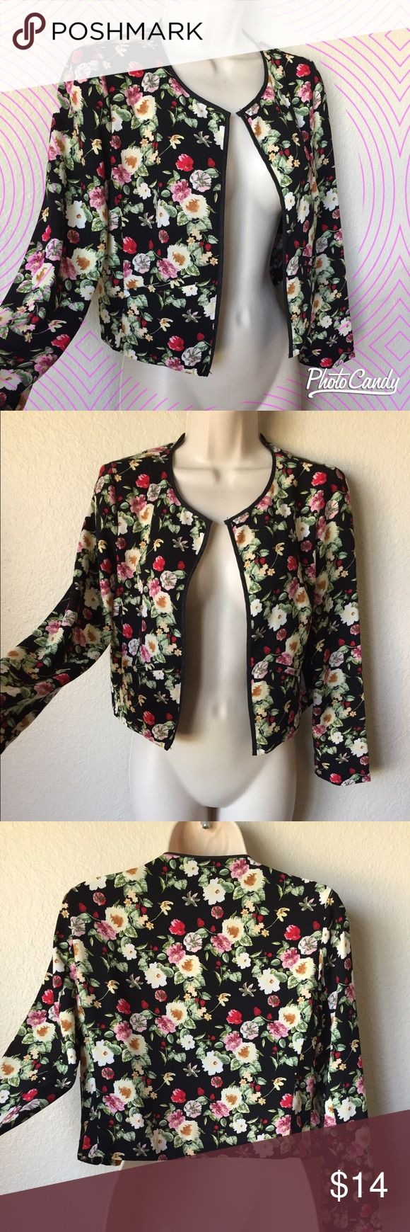 Gorgeous floral cropped blazer--NWT! Beautiful cropped blazer with floral design and faux pockets in the front! Versatile--perfect for work or a night out.. I absolutely love this but it doesn't fit me :/... brand new with tags from Nordstrom, size XS Nordstrom Jackets & Coats Blazers
