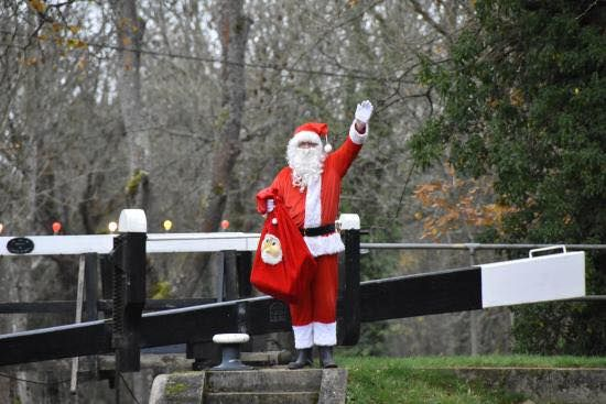 Santa cruises on the beautiful Wey and Arun Canal in Loxwood, West Sussex. 11th, 18th, 21st, 22nd & 23rd December. New for 2016, Santa for the Grown-ups 16th December. Also trips on Boxing Day & New Years Day. For details see www.weyandarun.co.uk