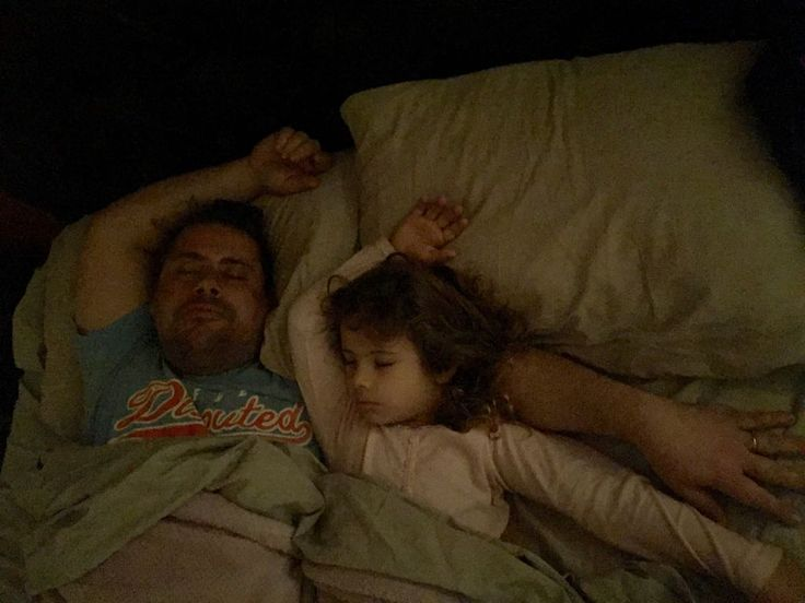 #Father #and #Daughter #sleep #together #photo #lovelyphoto #idem # style #photographer #fotografo #padre #hija #lovely #adorables #duermiendo #juntos #ADN #genética #gilges #galloro #amor #love #sweet #herencia #genética