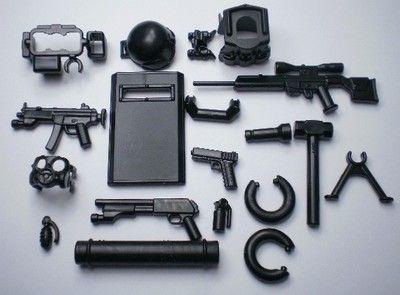 (on sale) custom swat team  helmet  weapson gun police army 15 parts for lego