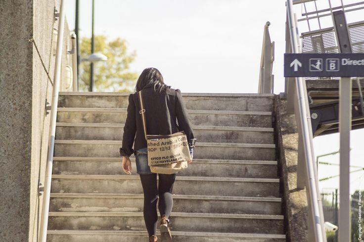 Besace en sac à café - Shooting produits Reversible eco-design, by Créations Françaises, Crédits photos PAT