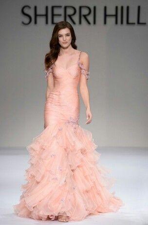 3c28b8e4740c Pin by Yasmin Valladares on Atuendos   Prom dresses, Fashion, Sherri hill
