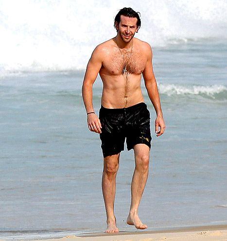 Bradley Cooper -- shirtless and deeeeelish!