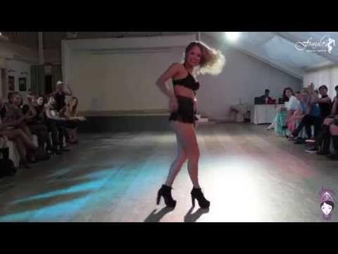 Gatsby vogue ball 2014 - Elena Ninja-Bonchicnhe' judge showcase - YouTube