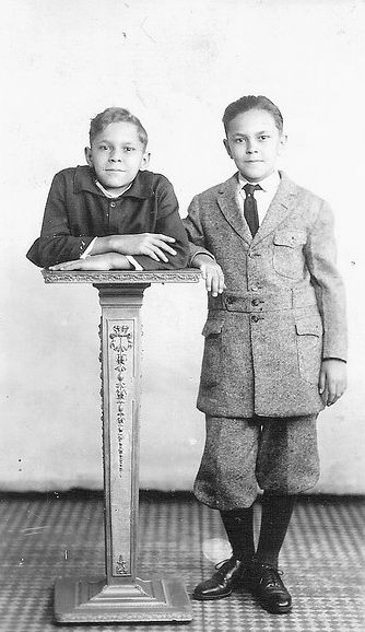 """Sideshow performer Johnny Eck the """"Half-Boy"""" with his twin brother Robert.   The Unexplained World   Pinterest   Sideshow, Weird and Sideshow freaks"""