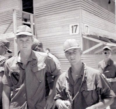 Men of 2nd Battalion, 327th Airborne Infantry Regiment at ...