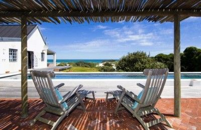Perched on the Kommetjie dunes, this is the largest assemblage of prime beachfront property on Long Beach