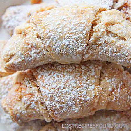Flaky Sweetheart Crescent Recipe | A winning recipe from Mrs. Doris Komperda of Milwaukee, WI, in a Pillsbury Grand National Bakeoff.