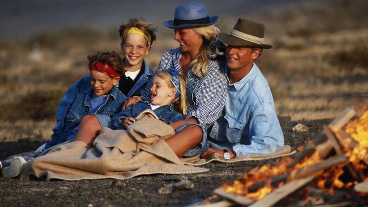 Des idées de jeux autour du feu de camp, quand on est en camping entre amis. Découvrez 10 idées pour vous amuser pendant votre séjour.