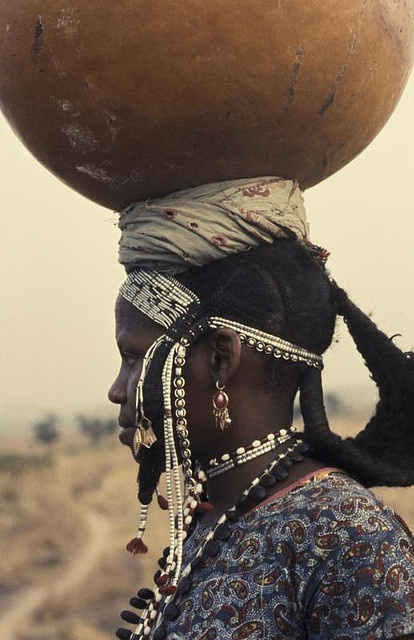 Africa | Young Wodaabe woman. Adamaoua. Cameroon | © Georges Courreges, 1972