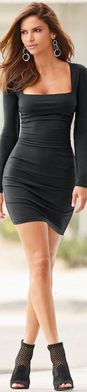 Street fashion | Little black dress.