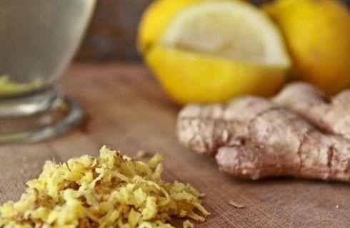 acqua e limone al mattino Acqua, zenzero e limone per ricaricarci di energia e rimanere in salute