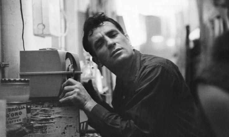 Jack Kerouac es un personaje fundamental de la literatura y poesía del S.XX, y pionero de la Generación Beat, junto con William S. Burroughs y Allen Ginsberg. Es reconocido por su método de prosa espontánea que cubría temas desde la promiscuidad hasta el budismo, y muchos lo consideran uno de los padres del movimiento hippie, …