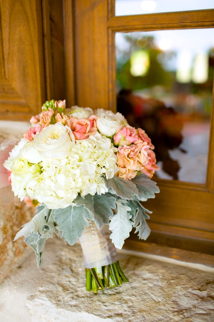 25 swoon worthy spring amp summer wedding bouquets tulle amp chantilly - Peach And Ivory Bridal Bouquet