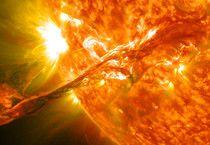 Scoperta l'origine delle 'lingue' di plasma del Sole (By NASA Goddard Space Flight Center - Flickr: Magnificent CME Erupts on the Sun - August 31, CC BY 2.0, https://commons.wikimedia.org/w/index.php?curid=21422679) (ANSA)