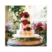 Jason and Claudia's stunning wedding cake | Cristina Lubarda Stylist | Siempre weddings photographer