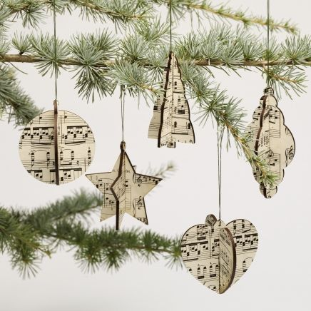 Love these simple Christmas decorations made from sheet music