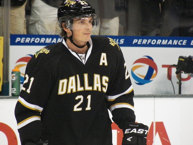 I Watched This Game: Canucks 5, Stars 4 (OT) |Loui Eriksson Mustache