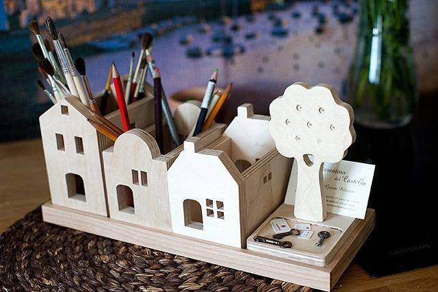 Домик для карандашей и кисточек #издерева#вудивильдом#woodyvilldom Размеры: высота 13см длина 32см ширина 13см