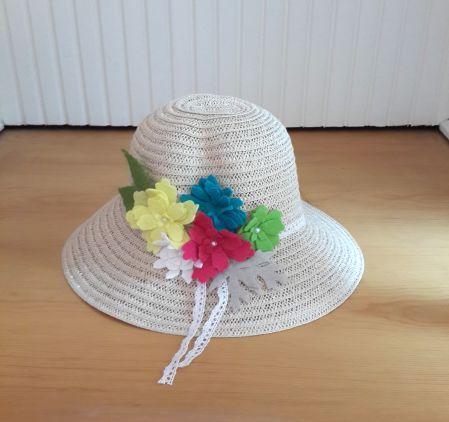 Canlı Renkli Çiçekli Hasır Şapka