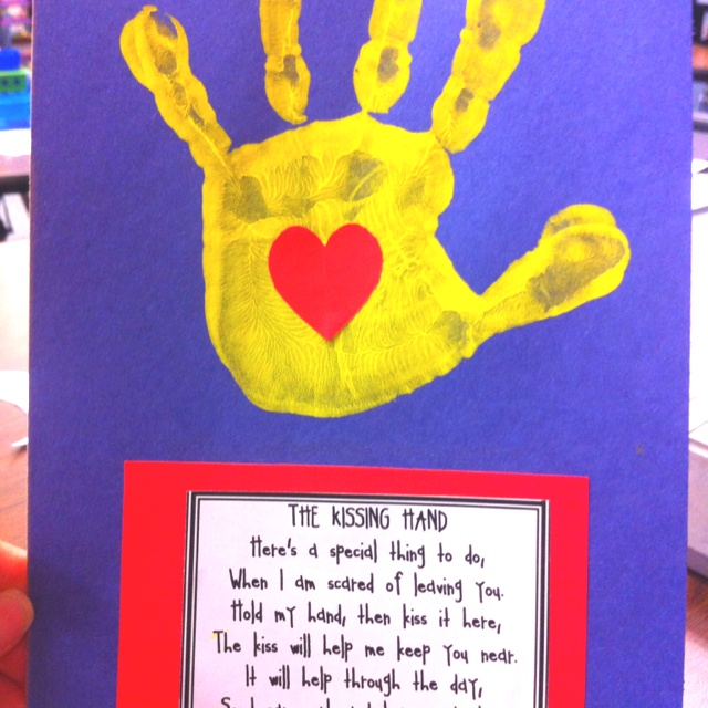 Kissing hand in Kinder by Akroosh All-Stars!