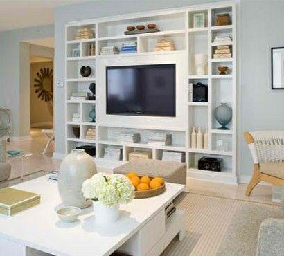 tv-wohnwand-anbauwand-wohnzimmer-medienwand-offene-regale-wanddeko