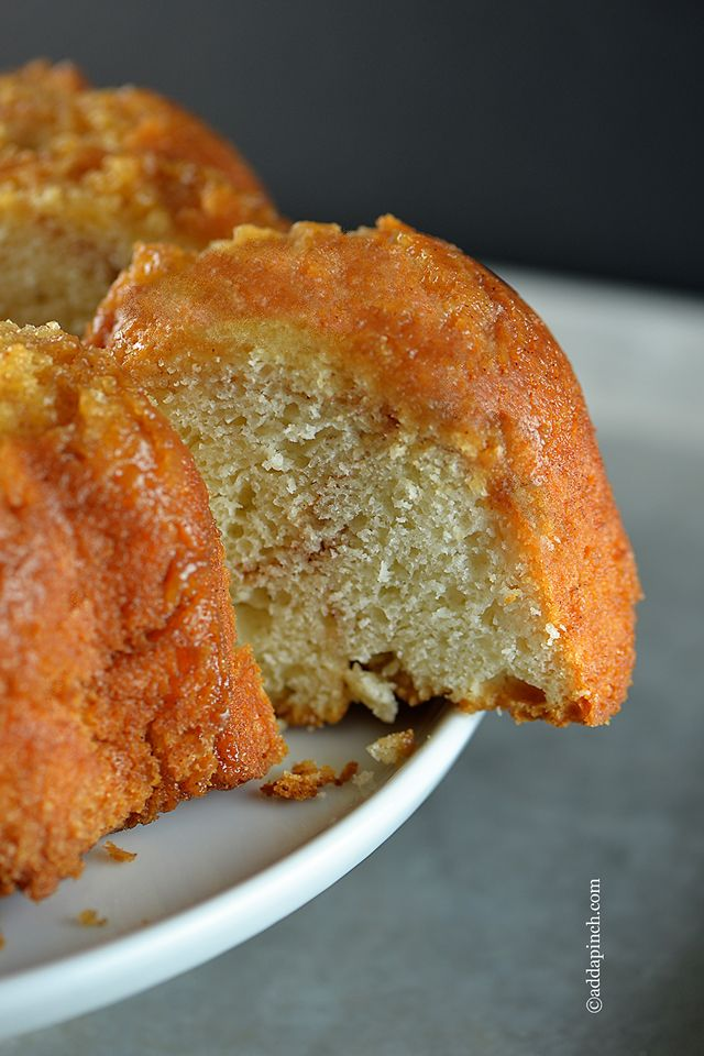 Coffee Cake Recipe - This simple recipe comes together in quickly! Great for last minute event or a quick coffee cake to serve for brunch! from addapinch.com