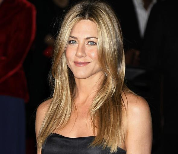 Jennifer Aniston's Hairstyles and Hair Colors: Honey Hair  #hairstyles #haircolors