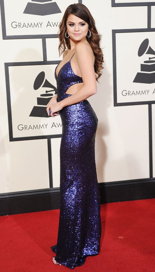 Selena Gomez en robe Calvin Klein Collection aux Grammy Awards 2016                                                                                                                                                                                 Plus