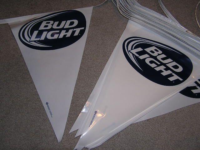 Blanco Bud Light cerveza Banderines bandera signo Budweiser Pub Bar Ideal Para wefest | Objetos de colección, Cerveza y fabricación de cerveza, Letreros y avisos | eBay!