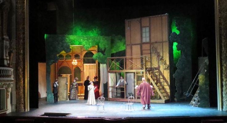 """Résultat de recherche d'images pour """"Decor theatre balcon"""""""