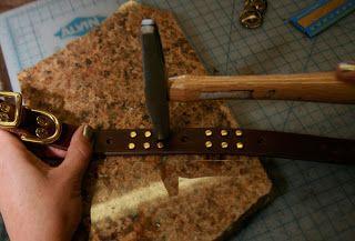 Como hacer un original collar de cuero para tu perro