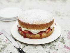 Tutorial via Jamie Oliver: How to make a perfect Victoria Sponge Cake