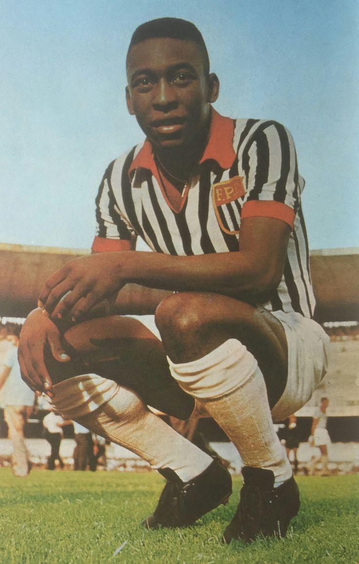 Pelé com a camisa da Seleção Paulista.