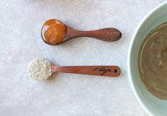 1 tsp. honey + 1 tsp bentonite clay = 1 very effective detoxifying mask