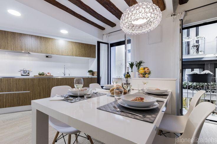 Cocina con zona de comedor. Proyecto Home Staging.