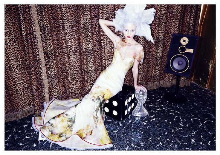 FODDIS AW2015 Bamby #redcarpet #couture #glamour #celebritiesfashion #Rome #Roma #eveningdress #eveningwear more on www.umbyfoddis.com