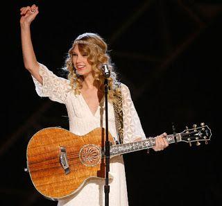 25 Lagu Terbaik Taylor Swift yang Enak Didengar